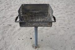 Parrilla del público de la barbacoa de la playa Imagen de archivo libre de regalías