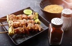 Parrilla japonesa Yakitori del pollo Imagenes de archivo