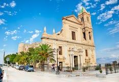 Parrocchia S. Frediano在Cestello Nicola二巴里教会在泰尔米尼伊梅雷塞,西西里岛 免版税图库摄影