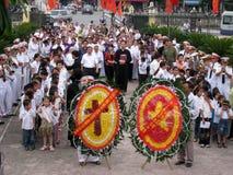 Parroci e parrocchiani in una commemorazione di coloro che Fotografie Stock Libere da Diritti