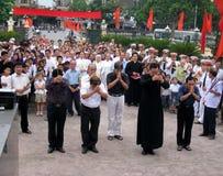 Parroci e parrocchiani in una commemorazione di coloro che Fotografia Stock Libera da Diritti