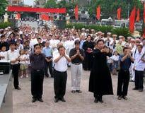 Parroci e parrocchiani in una commemorazione di coloro che Immagine Stock