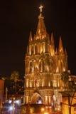 Parroquia教会圣诞夜圣米格尔德阿连德墨西哥 免版税库存照片
