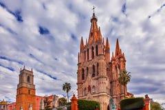 Parroquia Jardin天使教会圣米格尔火山墨西哥 库存图片