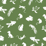 The parrot, turtle, cat, dog, rabbit, mouse, fish, lizard seamless pattern, animal vector background. For fabric design. Pet shop animal lovers wallpaper Royalty Free Stock Photo