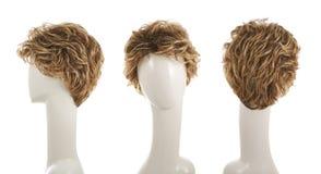 Parrucca dei capelli sopra la testa del manichino Immagine Stock