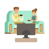 Parsammanträde på Sofa With Joysticks, del av lyckliga Gamers som tycker om spela videospelet, folk som har inomhus gyckel vektor illustrationer