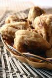 part de fond de lotus frite par nourriture délicieuse de porcelaine Image libre de droits