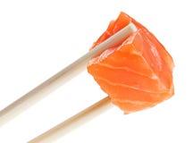 Part des poissons de saumons rouges en baguettes Image libre de droits