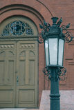 Parte anterior na igreja velha do tijolo com lanterna do vintage Fotografia de Stock
