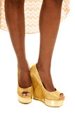 Parte anteriore afroamericana dei talloni delle gambe della donna Fotografie Stock