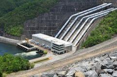 Parte anteriore del generatore di elettricità della diga di Sri Nakharin Fotografie Stock Libere da Diritti
