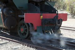 Parte anteriore del motore a vapore d'annata fotografie stock libere da diritti