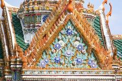 Parte anteriore del tetto del fiore al re Palace a Bangkok Fotografia Stock Libera da Diritti