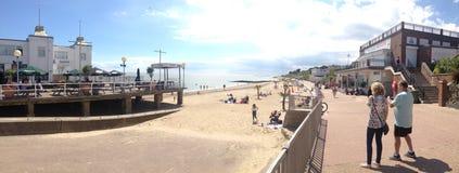Parte anteriore della spiaggia della costa del sole di Essex Immagini Stock