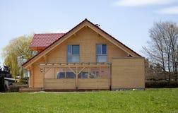 Parte anteriore di legno della casa Immagini Stock Libere da Diritti