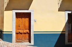 Parte anteriore di una casa messicana coloniale Fotografia Stock