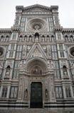 Parte anteriore e portelli del Duomo di Firenze fotografia stock libera da diritti