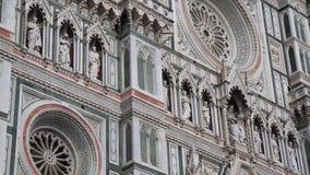 Parte anteriore elaborata di Florence Cathedral in Italia stock footage