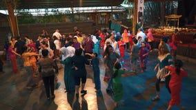 Parte ballante interattiva della manifestazione di Angklung, Bandung stock footage