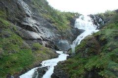 Parte central de Noruega Montañas noruegas en los bancos de los fiordos Imágenes de archivo libres de regalías