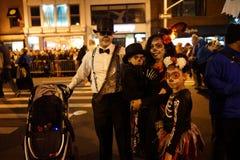 A parte 2015 da parada de Dia das Bruxas da vila 3 57 Foto de Stock