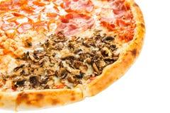 Parte da pizza italiana clássica deliciosa quatro estações Imagem de Stock Royalty Free