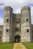 Parte das ruínas antigas do século Tudor Titchfield Abbey de the13th em Titchfield, Fareham em Hampshire na floresta nova no S foto de stock