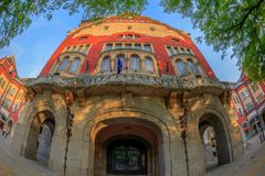 Parte de edificio histórico del ayuntamiento en Subotica, Serbia Foto de archivo