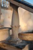 Parte de uma escadaria arquitetónica na construção velha Fotos de Stock