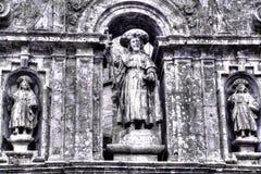 Parte decorativa della parete sopra l'entrata alla cattedrale della st James in Santiago de Compostela in Spagna fotografia stock libera da diritti