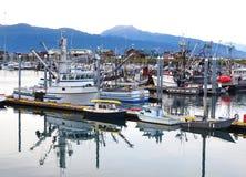 Parte del porto e delle navi ancorati a Homer Alaska immagini stock libere da diritti