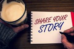 Parte del texto de la escritura de la palabra su historia Concepto del negocio para la libreta personal de las palabras de la mem fotos de archivo