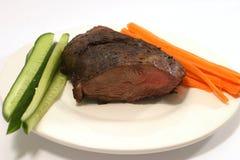 Parte della carne con il cetriolo e la carota Immagini Stock Libere da Diritti