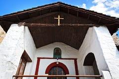 Parte della facciata di vecchia chiesa ortodossa in Grecia Immagini Stock