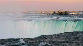 Parte delle cadute a ferro di cavallo al cascate del Niagara archivi video