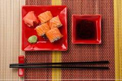 Parte di rotoli con la salsa di soia Fotografie Stock