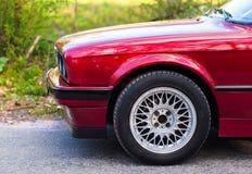 Parte di sinistra anteriore di vecchia automobile tedesca fotografia stock libera da diritti