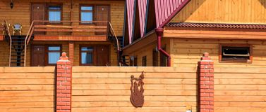 Parte di una casa di legno Fotografie Stock