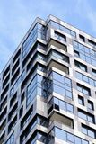 Parte di una costruzione a più piani moderna Architettura alta tecnologia moderna Immagini Stock Libere da Diritti