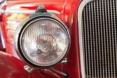 Parte di vecchia automobile rossa americana Fotografie Stock Libere da Diritti