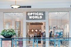 74d40cb0d Interior da loja ótica foto de stock editorial. Imagem de eyeglass ...