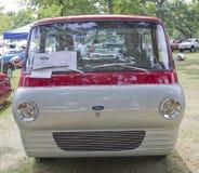 Parte dianteira 1966 do caminhão de Ford Econoline Fotografia de Stock
