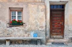 Parte dianteira da casa, vila italiana Imagens de Stock