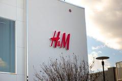 Parte dianteira da loja de H&M fotografia de stock royalty free