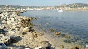 Parte dianteira de mar de San Benedetto del Tronto - Ascoli Piceno - Itália vídeos de arquivo