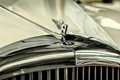 Parte dianteira de um corpo 1963 rígido de Bentley 2-Axle Imagem de Stock