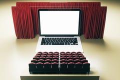 Parte dianteira do cinema do laptop Imagem de Stock Royalty Free