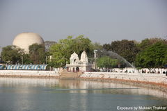 Parte dianteira do lago Kankariya; Ahmedabad. Imagem de Stock Royalty Free