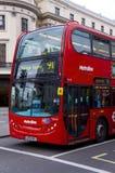 Parte dianteira do ônibus de Londres Metroline fotografia de stock royalty free